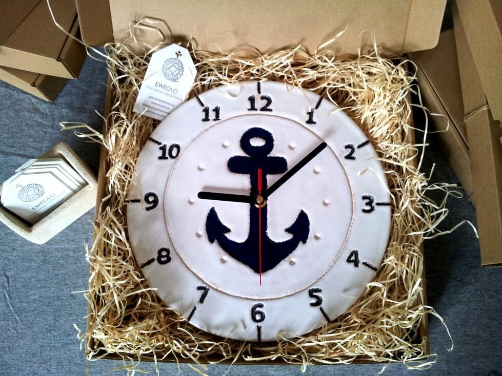 zegar kotwica na prezent