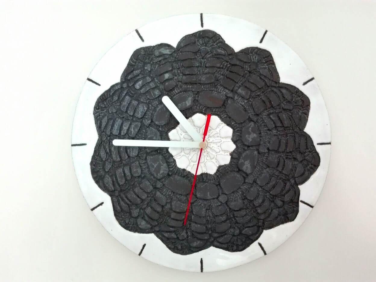 zegar czarno biały folkowy