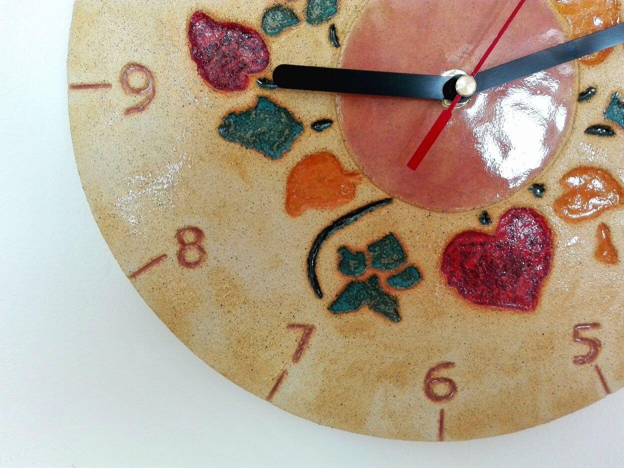 zegar kwiaty z gliny