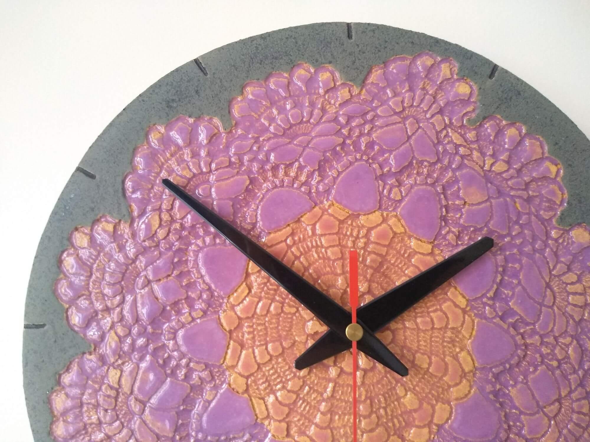 unikatowy-zegar-fioletowa-koronka-eweolo