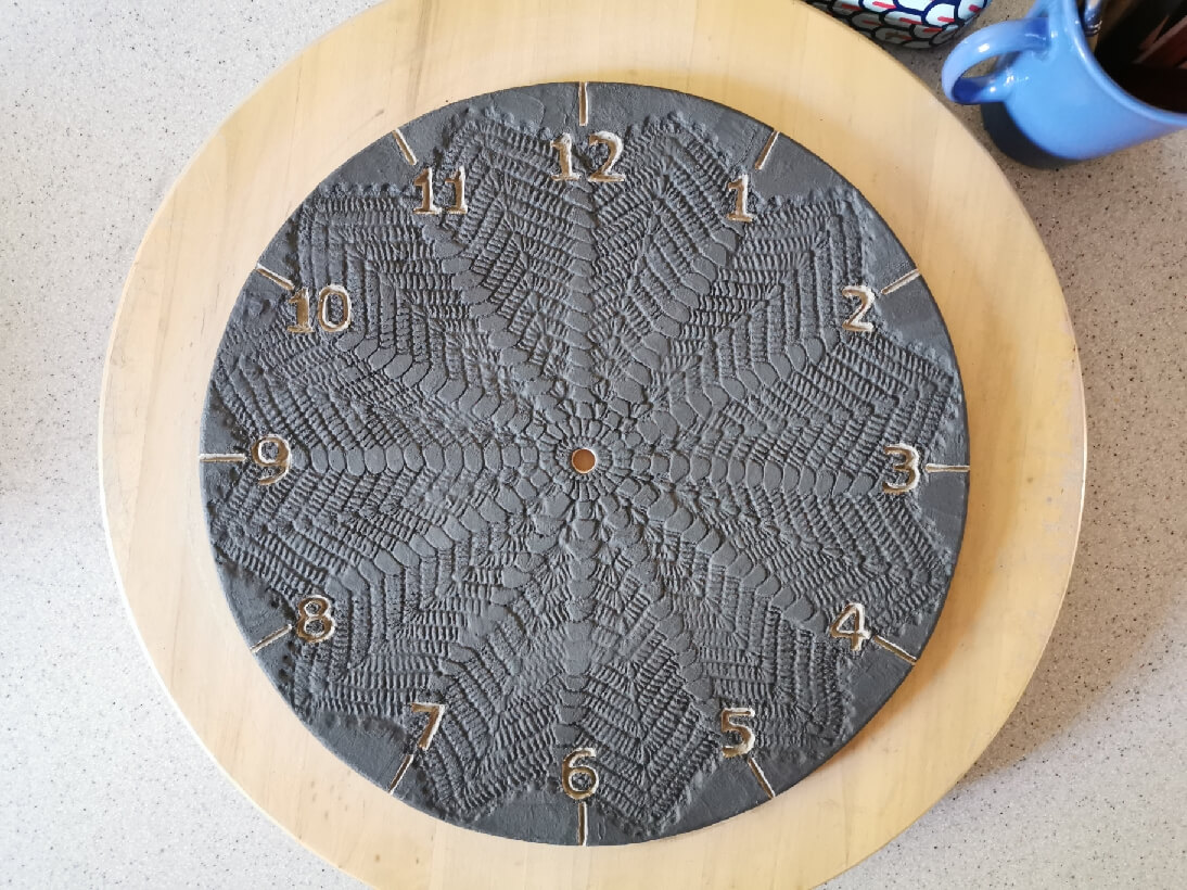Zegar poszkliwiony, czyli pomalowany tuż przed finalnym wypałem