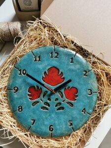 Niebieski Zegar Czerwone Ludowe Kwiaty