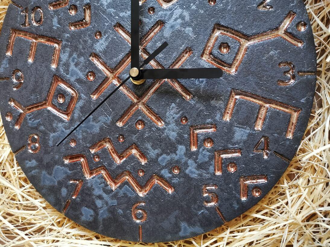 Zegar wiking nordycki czarny rękodzieło