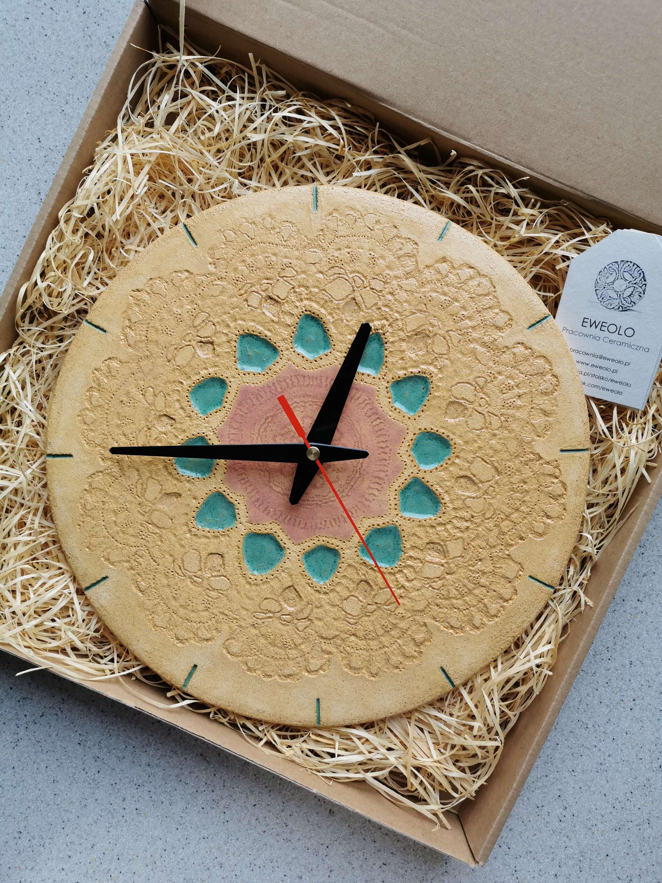 Zegar kremowy ludowy