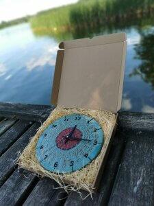 niebieski-zegar-scienny-eweolo-jezioro